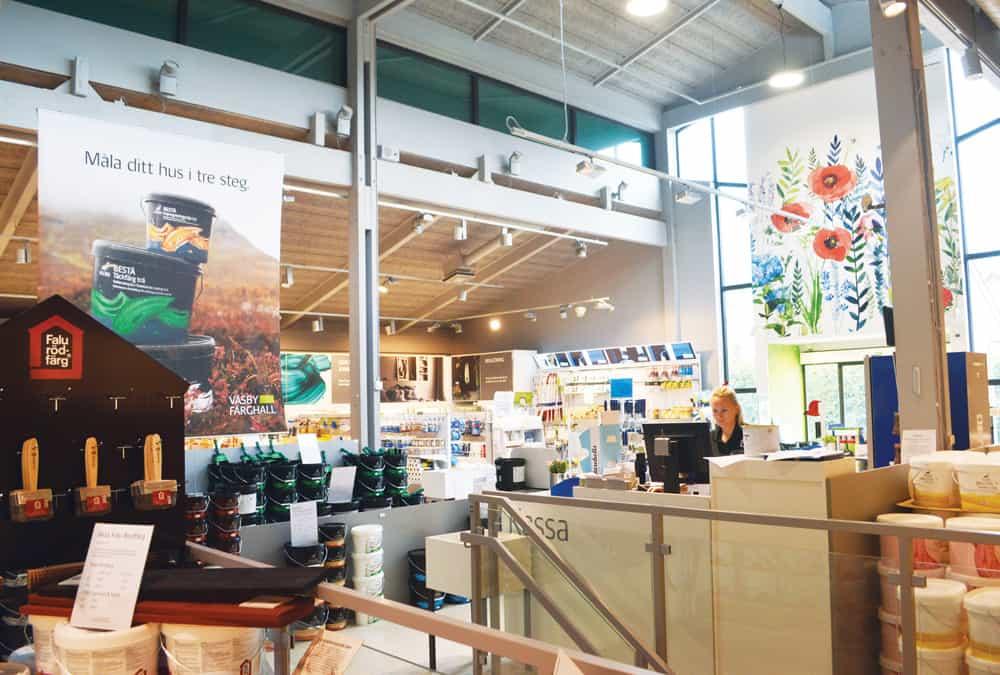 Colorama Väsby Färghall väljer Intenz butiksbelysning